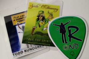Package: one laminate (front and back shown) and one TR@ND magnet.