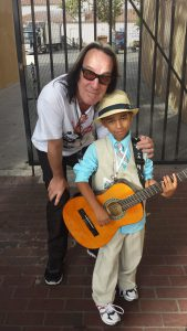 photos_tr-with-5-yr-old-beatle-fan